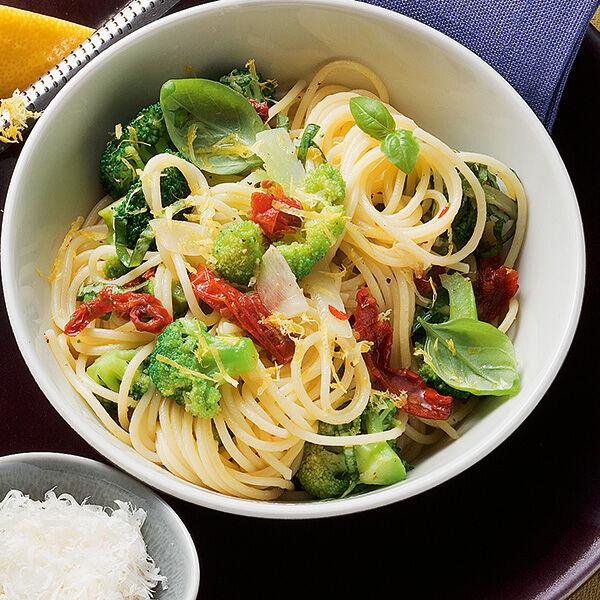 scharfe brokkoli spaghetti rezept k cheng tter. Black Bedroom Furniture Sets. Home Design Ideas