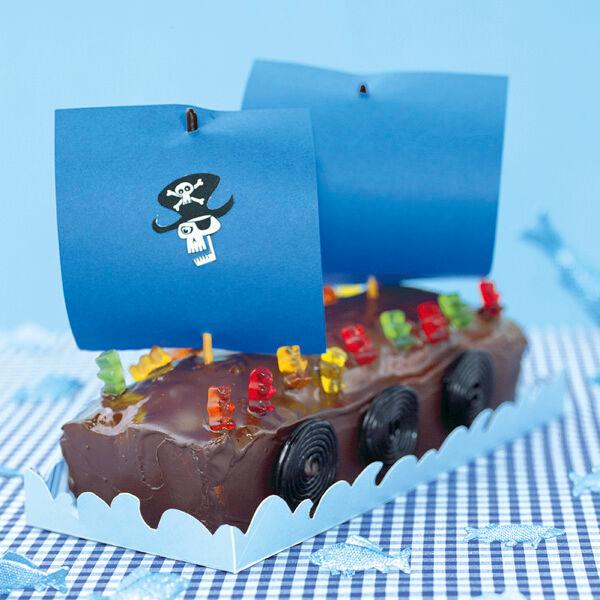 piratenschiff mit b rchen crew torte rezept mit bild k cheng tter. Black Bedroom Furniture Sets. Home Design Ideas