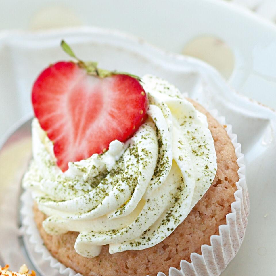 Beeren Matcha Cupcakes Rezept Kuchengotter