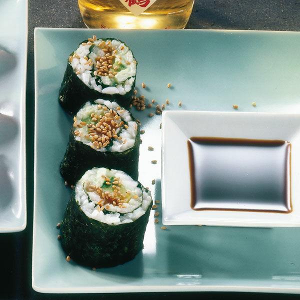 hosomaki sushi mit lachs und avocado rezept k cheng tter. Black Bedroom Furniture Sets. Home Design Ideas