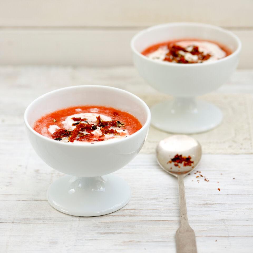 kalte tomatensuppe rezept k cheng tter. Black Bedroom Furniture Sets. Home Design Ideas