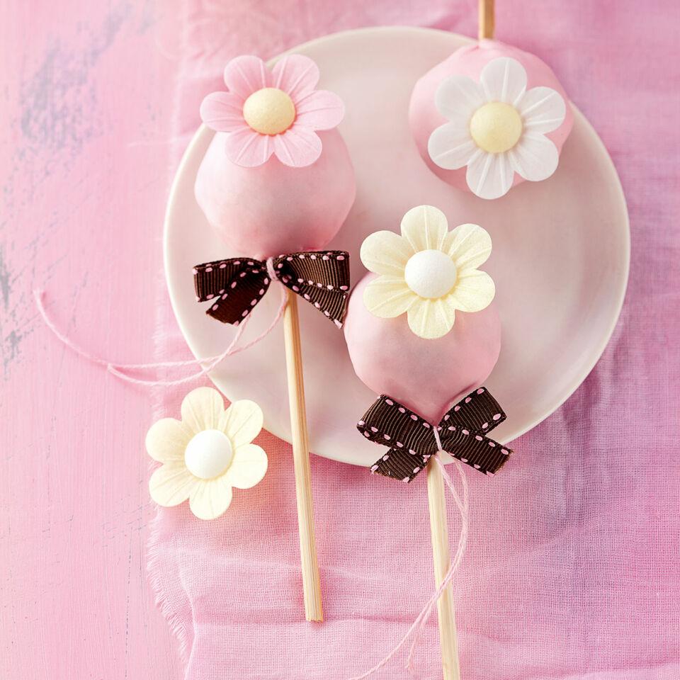 Geburtstags cake pops rezept k cheng tter - Cake pops 50 geburtstag ...