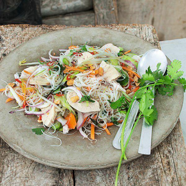 h hnchen reisnudel salat rezept k cheng tter. Black Bedroom Furniture Sets. Home Design Ideas