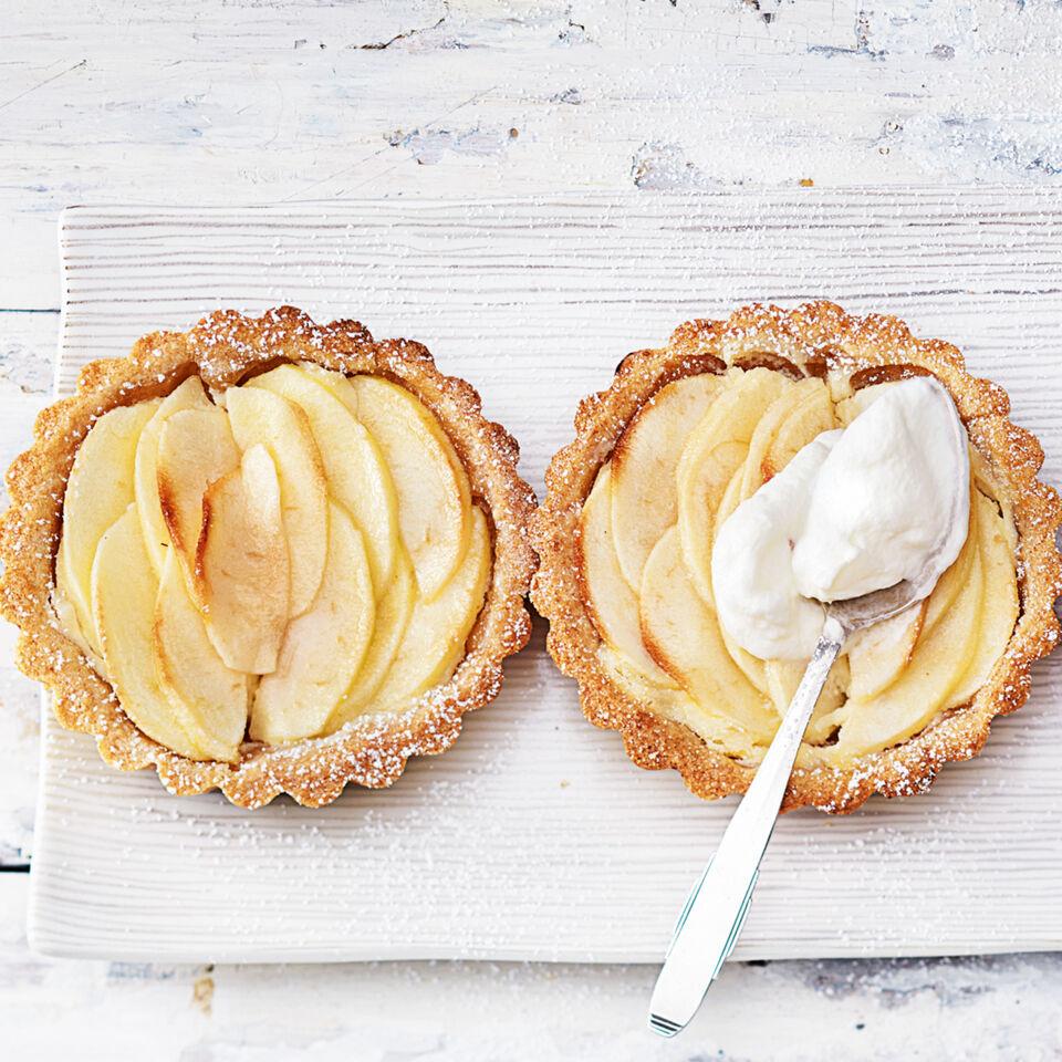 Apfel Amarettini Tortchen Rezept Kuchengotter