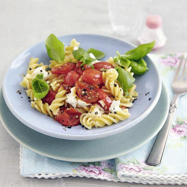 schnelle pasta mit ziegenk se rezept k cheng tter. Black Bedroom Furniture Sets. Home Design Ideas
