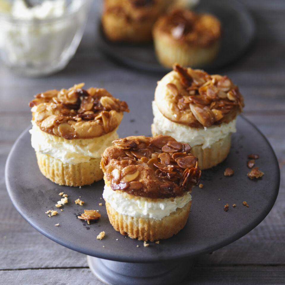 bienenstich muffins rezept k cheng tter. Black Bedroom Furniture Sets. Home Design Ideas